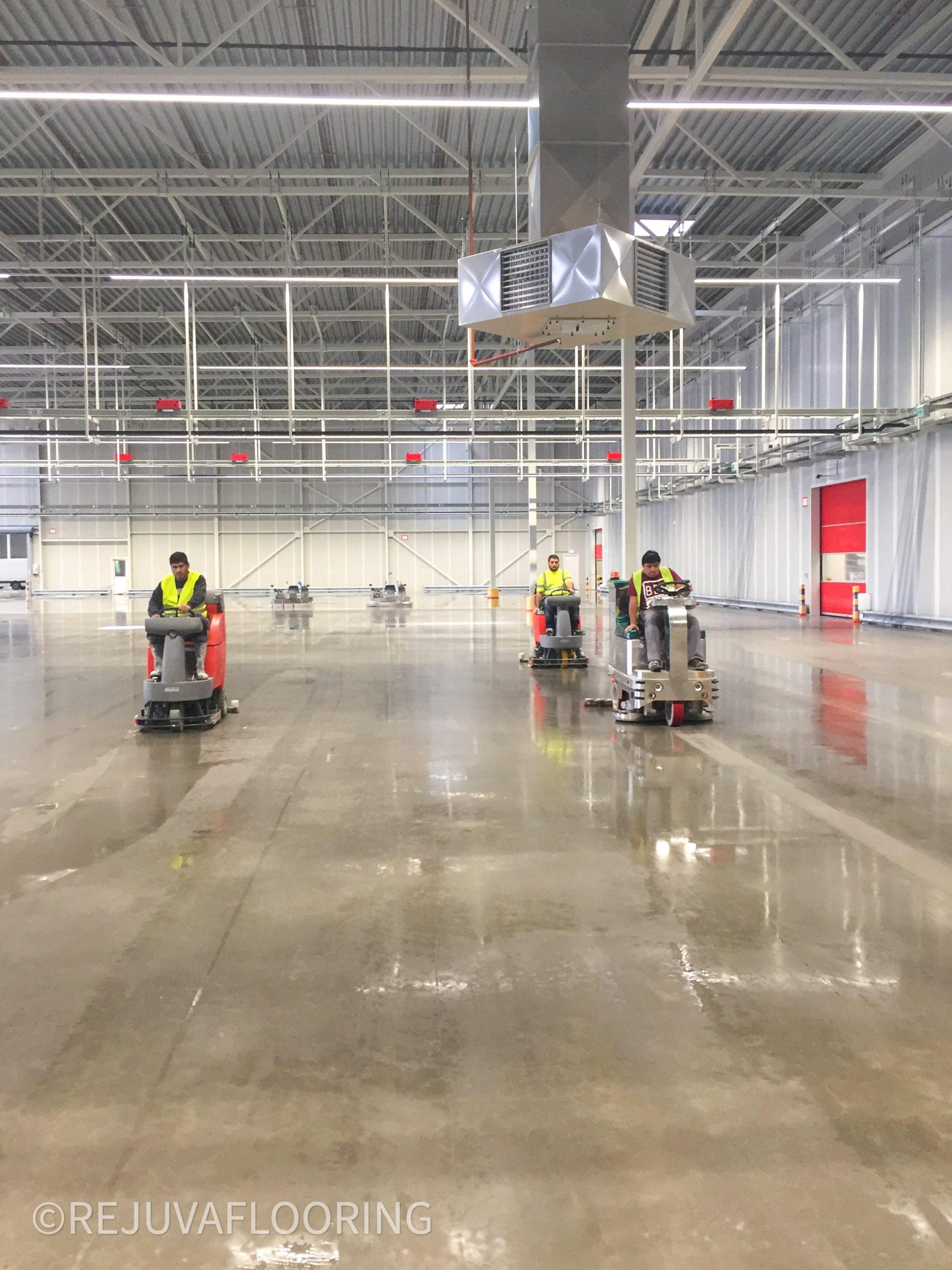 Scubber Dryer Concrete Floor